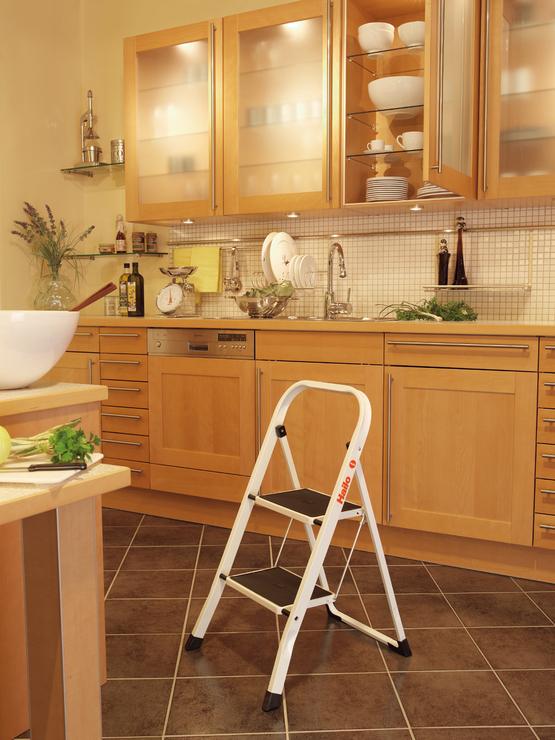 hailo k20 stahl klapptritt 2 stufen papersmart. Black Bedroom Furniture Sets. Home Design Ideas